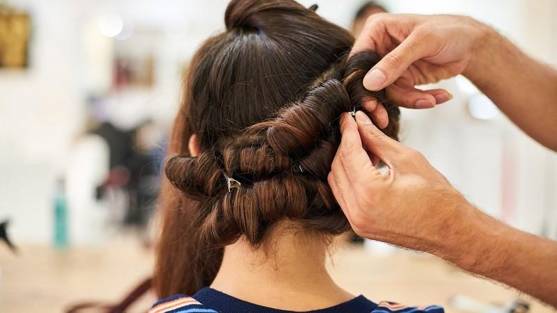 Comment expliquer l'évolution du secteur de la coiffure en France ?