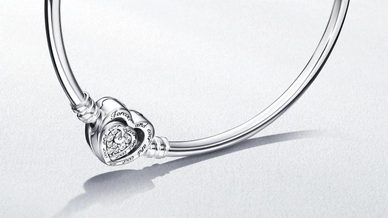 Le bracelet Pandora édition limitée Fête des Mères offert dès 109 ...