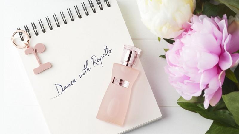 Tout l'univers raffiné Repetto dans cette ligne de parfums en vente privée