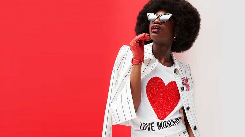 Le style graphique Love Moschino arrive en vente privée